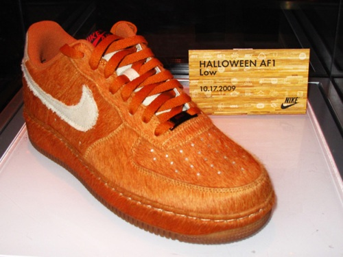 nike-2009-holiday-sneaker-preview-AF1