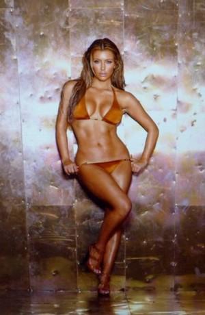 Kim_Kardashian-300x460